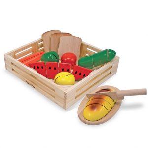 houten-snijvoedsels-in-krat