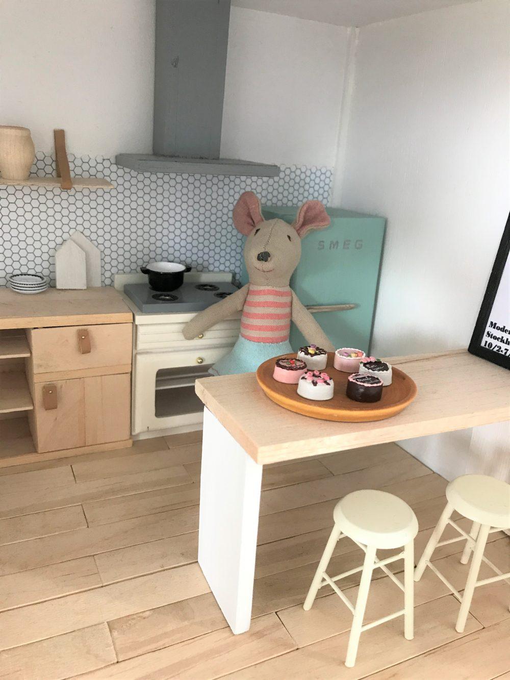 Poppenhuis meubels zelf maken van karton on58 for Meubels poppenhuis