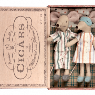 Maileg Mouse mum and dad in cigarbox